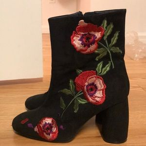 Topshop Flower Embroidered Suede Boots   Size 39